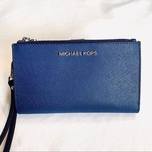 Michael Kors Jetset phone wallet wristlet